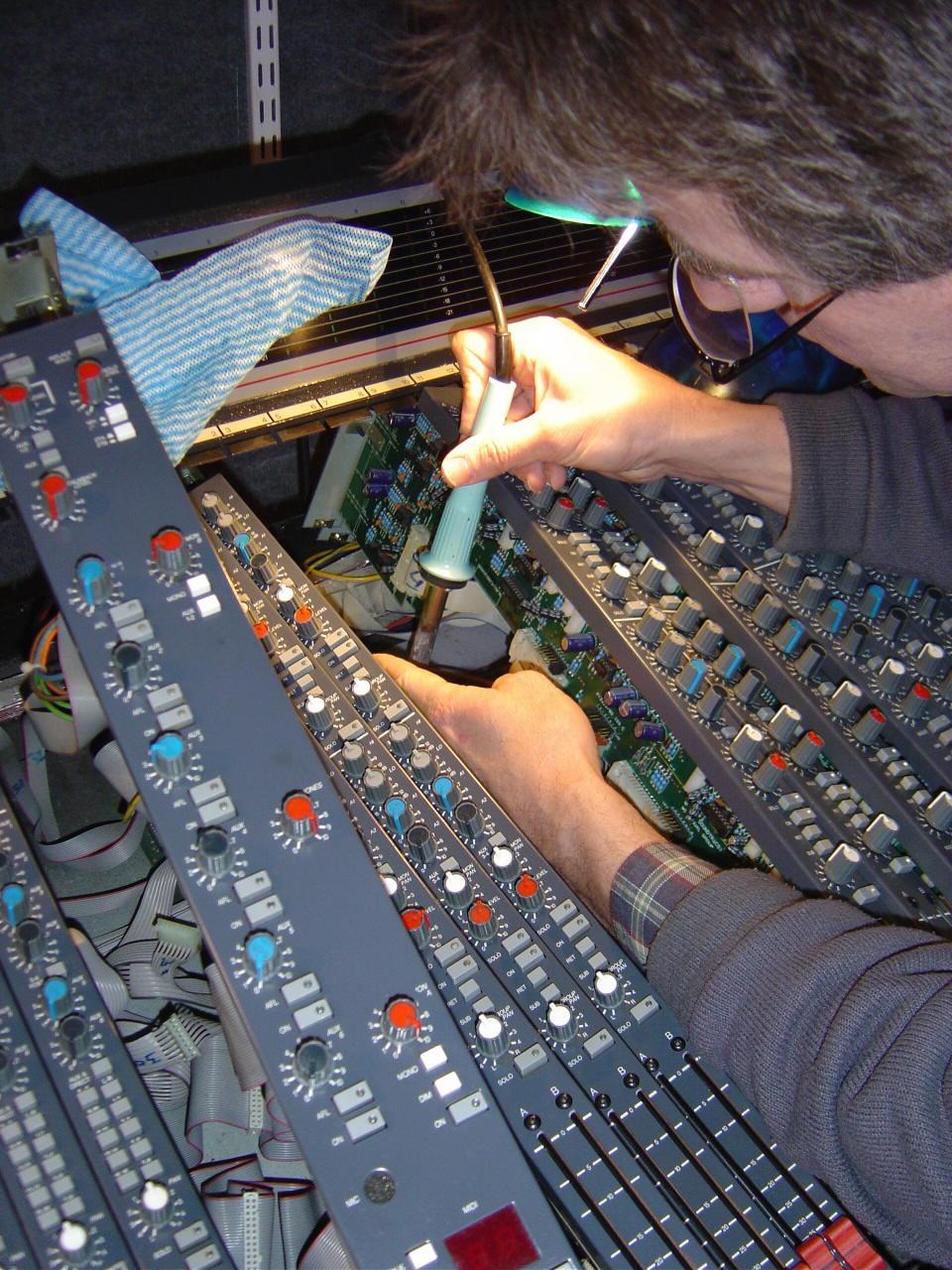 Studio Systems - The home where the Soundtracs roam